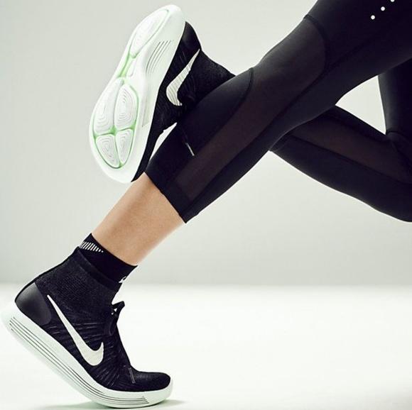 510ab02cafeb3 Women s Nike Lunarepic Flyknit Hitops. M 5bc5267b9539f7cb1ba73738